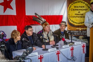 Ethan Hawke joined Mi'kmaw leaders in a news conference following the water ceremony Oct. 26 in Paqtnkek/Photo by Stephen Brake